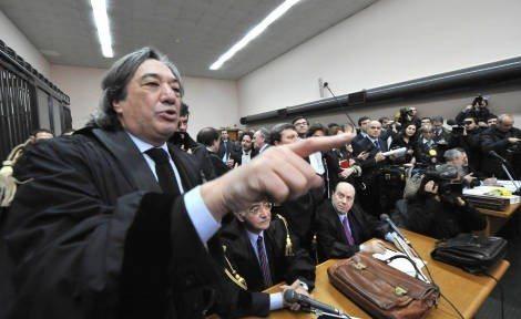 Processo di Napoli: sentenza slitta al 22 novembre, in arrivo nuove telefonate