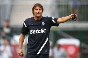 Qui Juventus: Conte riprova il 4-2-4. Contrattura per Vidal