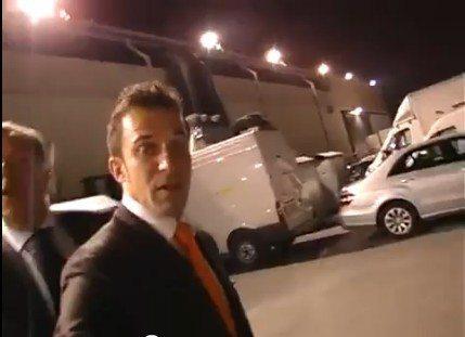 Video inedito: Del Piero contrariato evita le domande di un giornalista