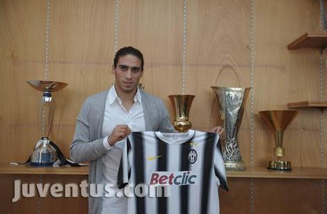 """Caceres ufficiale alla Juventus: """"Darò il massimo, voglio stare qui a lungo"""""""