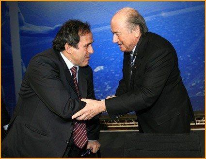 Platini sarà il prossimo presidente Fifa, Blatter lo incorona