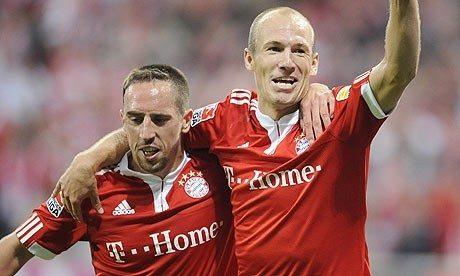 Robben e Ribery vengono quasi alle mani per un calcio di punizione…
