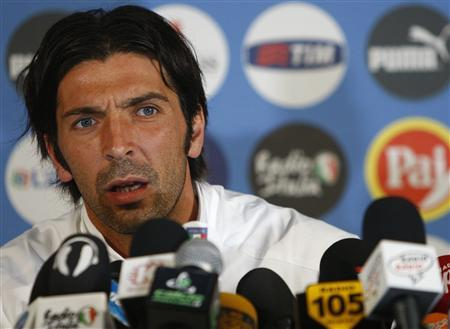 """Buffon """"In Italia le persone oneste meglio che non parlino, come al solito le indagini le conoscono prima i giornali"""""""
