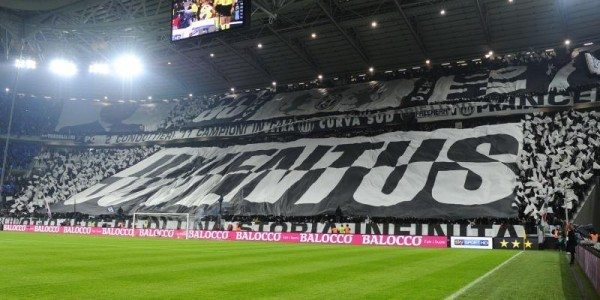 Juventus-Torino 3-0: le fantastiche coreografie del pubblico bianconero – video