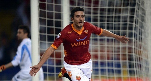 AS Roma's Brazilian forward Marquinho (R