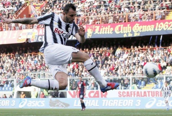 Juventus' Simone Pepe kicks the ball to