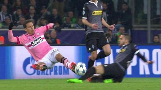 Borussia Monchengladbach-Juve 1-1: punto discreto, prestazione inguardabile