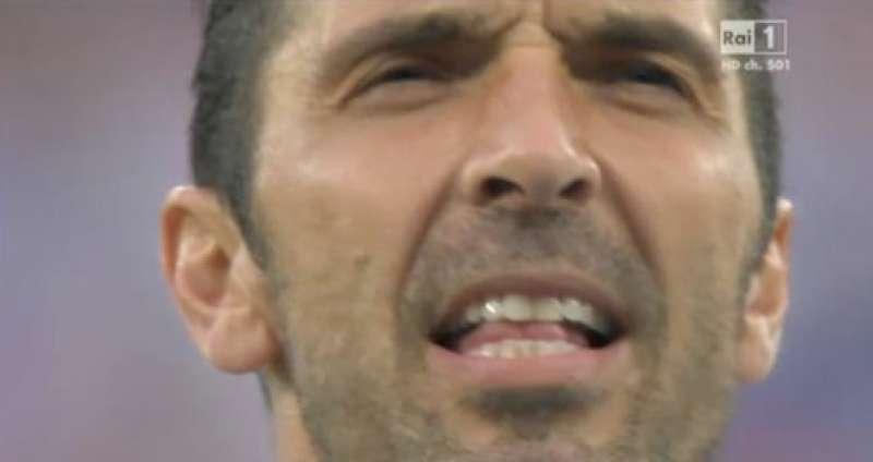 Buffon inno Italia-Francia