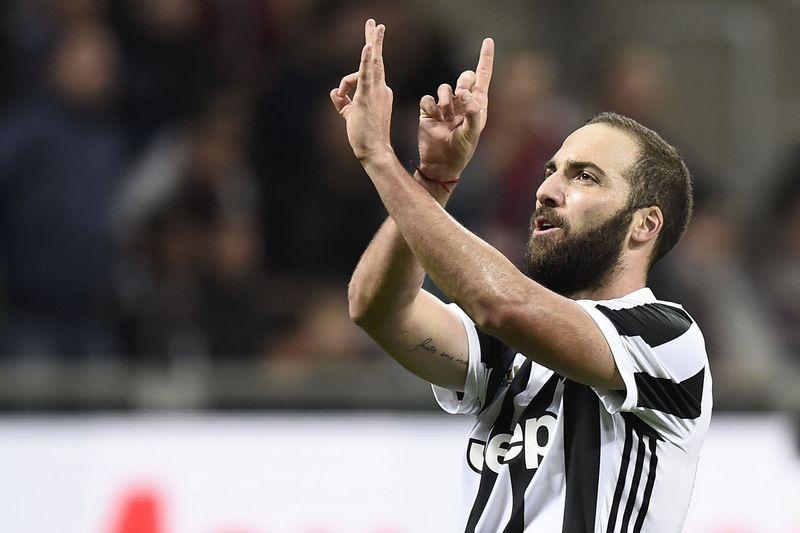 Milan-Juventus 0-2 Higuain