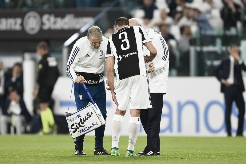 Chiellini KO Juventus-Napoli