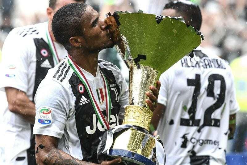 Juventus 2018-2019 Douglas Costa