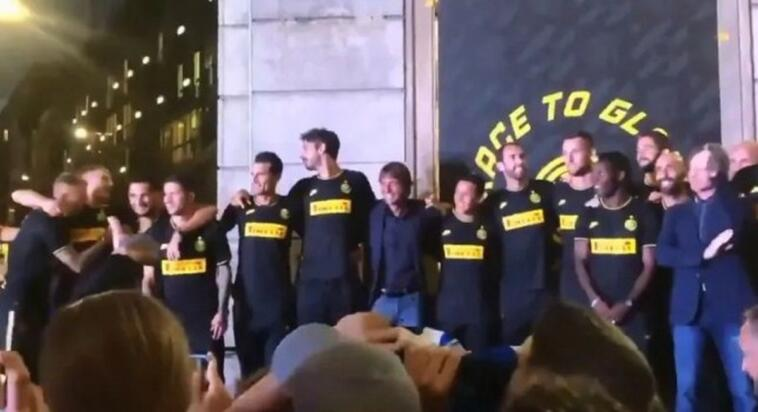 coro interisti juve conte video